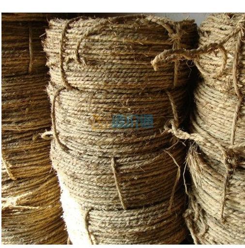 稻草绳图片