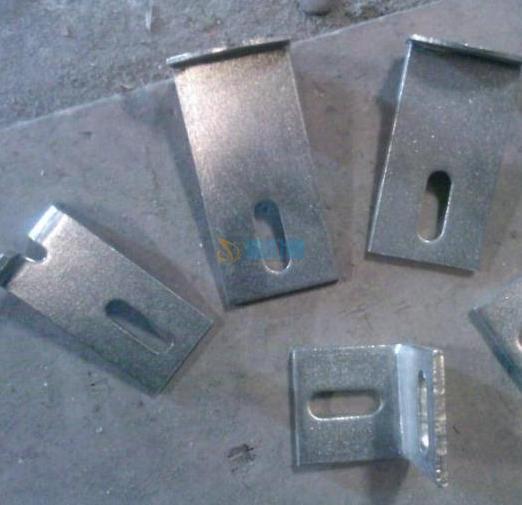 不锈钢焊接幕墙挂件图片
