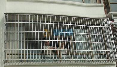 彩钢活动防盗窗图片