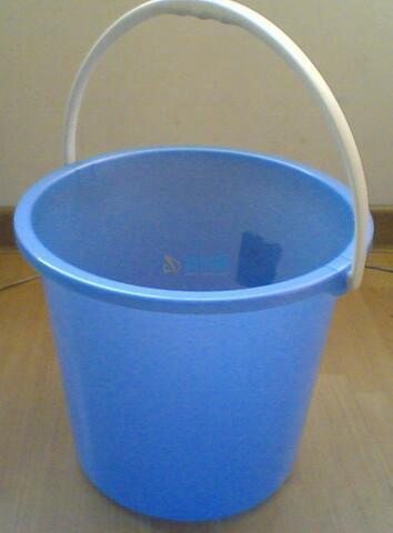原料白桶图片