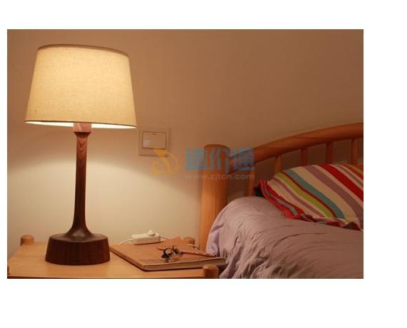 病房床头灯图片